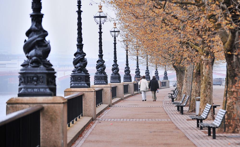 Thames walk path
